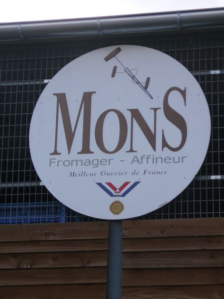 arrive-at-mons-fromages