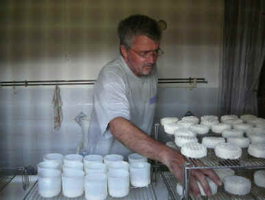 goats-cheese-making-in-france