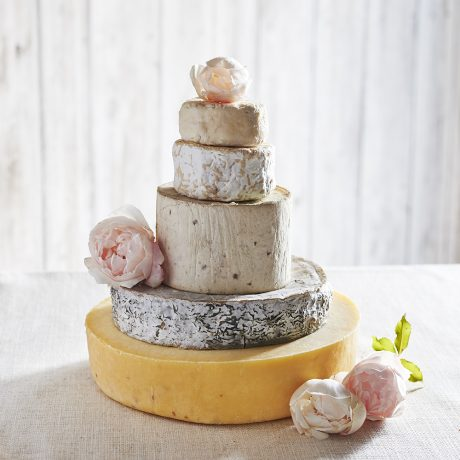 Opal cheese wedding cake