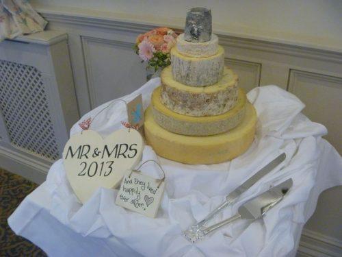Peter cheese wedding cake