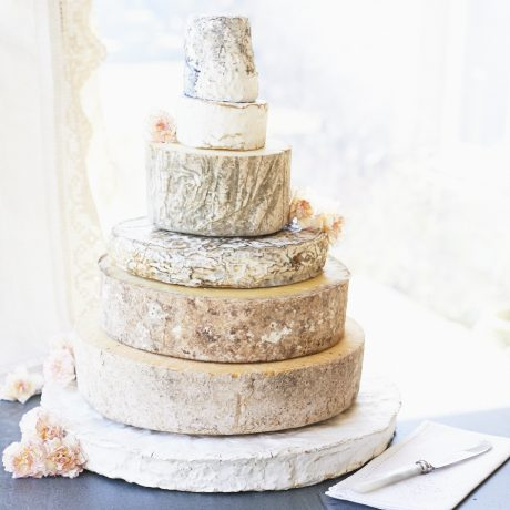 Ruby cheese wedding cake