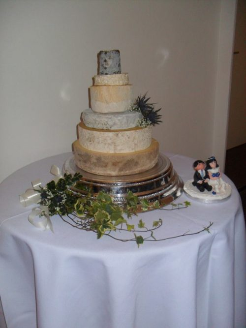 zoe-cheese-wedding-cake-picture
